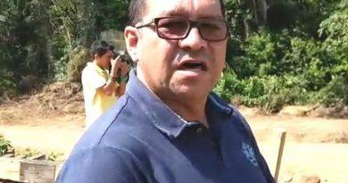 PREFEITO DE PRAINHA IMPEDE ENTRADA DE VENDEDOR DE GÊNERO ALIMENTÍCIO