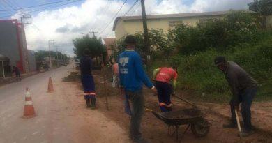 Prefeitura intensifica serviço de limpeza urbana em diversos bairros
