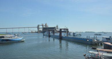 Projeto Orla avança com instalação de flutuantes