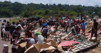 Caminhoneiro morre após caminhão tombar na BR-163 em Belterra