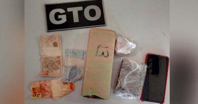 Polícia apreende mais de 1kg de drogas em posse de uma menor de idade