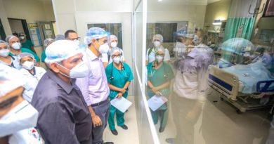 Comitiva do Governo visita Hospital Regional do Baixo Amazonas