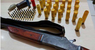 PRF prende condutor por porte ilegal de arma em Uruará