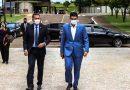 Governador do Pará visita farmacêutica em busca de vacinas contra a Covid
